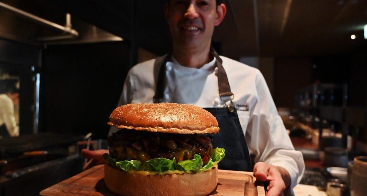 Burger Raksasa hingga Libur 10 Hari, Ini 3 Hal Unik Menyambut Kaisar Baru Jepang