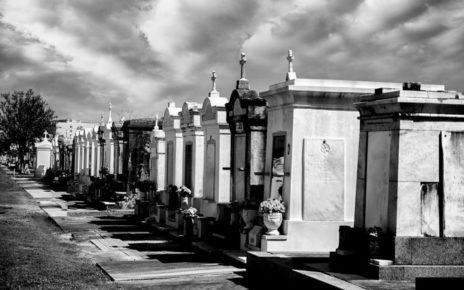 Kuburan Vampir, 5 Legenda Aneh Tentang Makam di Amerika