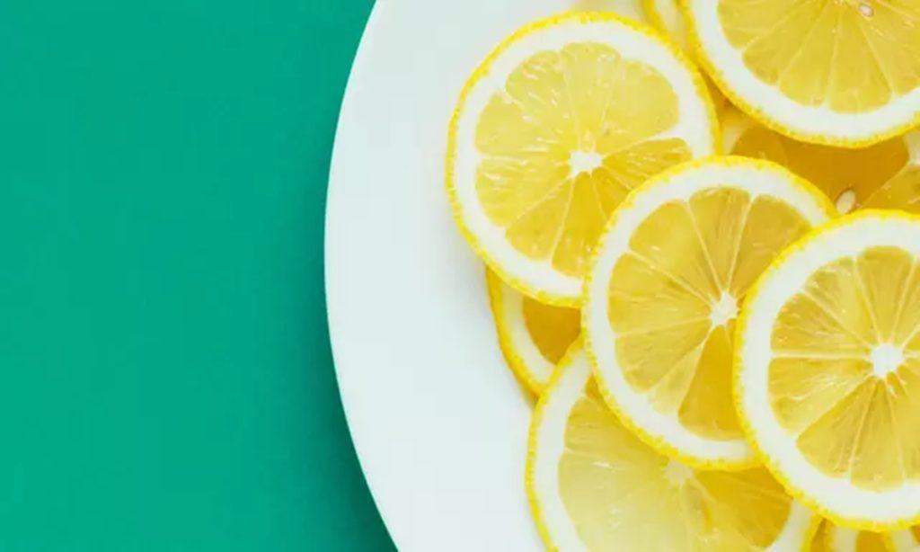 8 Cara Mengobati Gusi Bengkak karena Gigi Berlubang Secara Alami