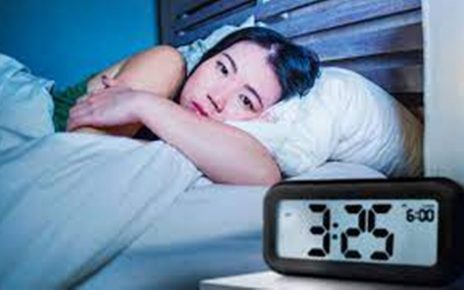 12 Cara Mengatasi Susah Tidur Malam Hari, Kenali Penyebabnya